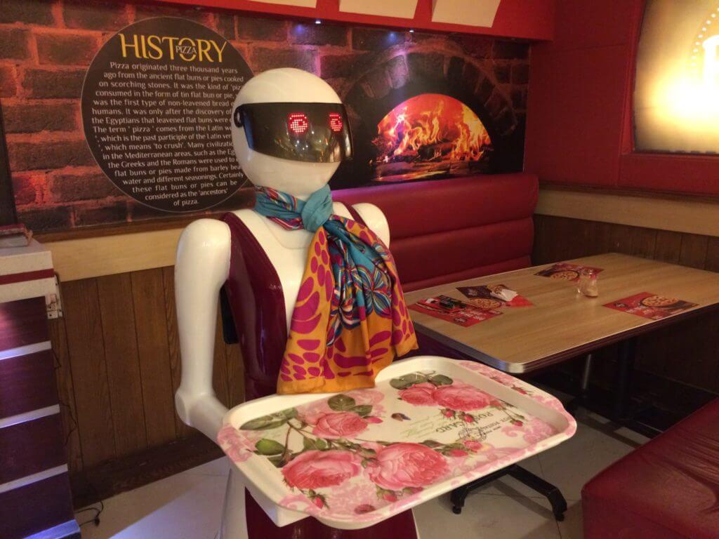 First Robot Waiter Restaurant In Multan – Pakistan