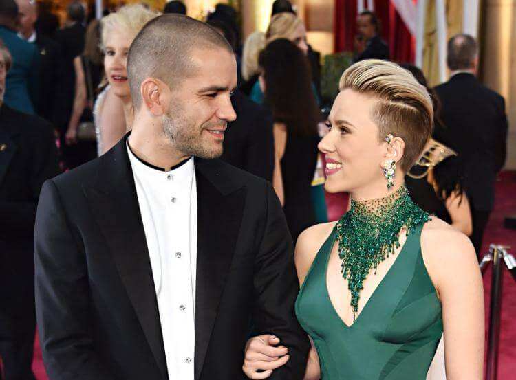 Scarlett Johansson files for divorce, wants custody of daughter