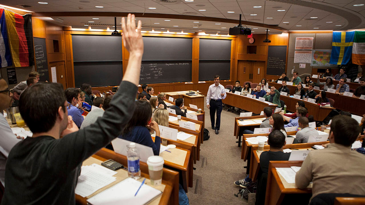 Harvard Welcomes Two Pakistan Men For Marketing Course on Social Media