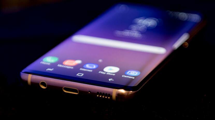Samsung Galaxy S8 Users Report Random Restarting Issue